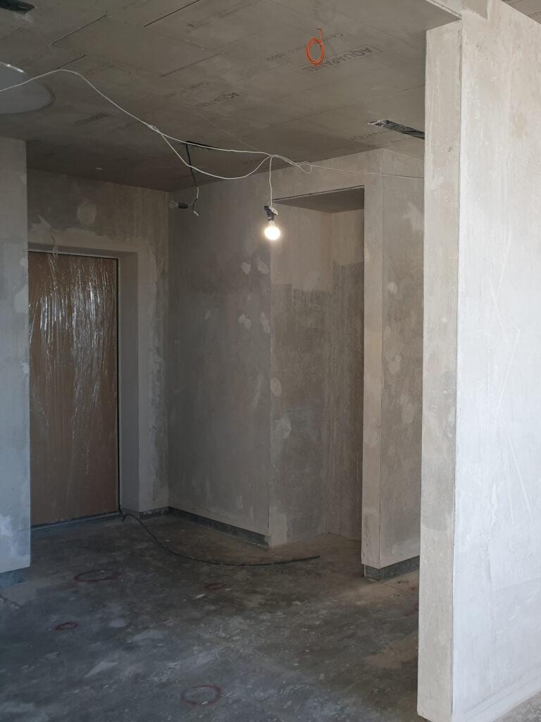 8 Штукатурные работы (выравнивание стен)